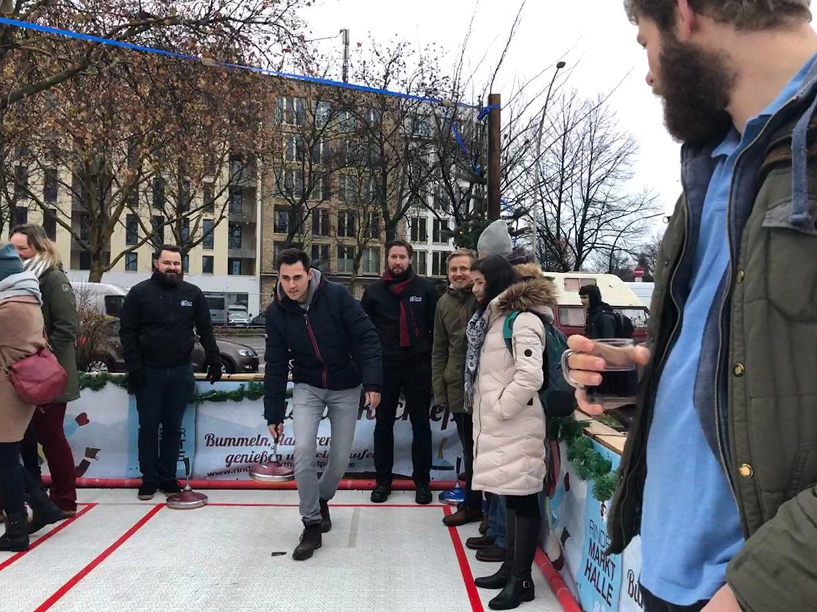 Be1Eye Weihnachtsfeier 2018 Leif holt Punkte